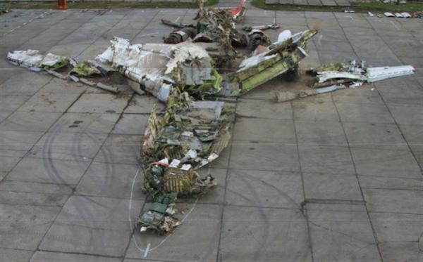 Le crash de l'avion présidentiel polonais : distance hiérarchique et décision absurde